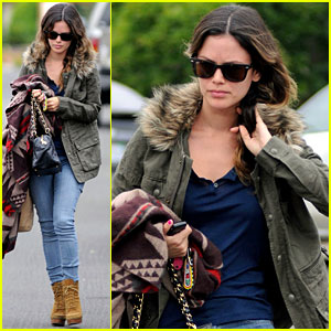 Rachel Bilson Keeps Warm on Set