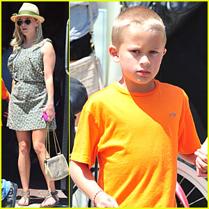 Reese Witherspoon: Lunch with Deacon & Jim!