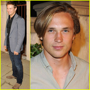William Moseley & Jeremy Renner: 'Muta' with Miu Miu!