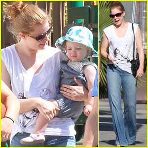 Amy Adams: Out with Aviana &#038; Uncle Eddie!