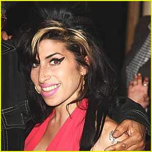 Amy Winehouse: No Illegal Drugs in System at Death