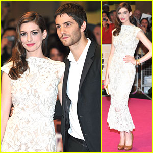 Anne Hathaway: 'One Day' UK Premiere with Jim Sturgess!