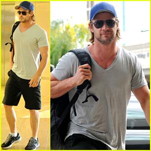 Chris Hemsworth: 'Avengers' Teaser Clip Released!