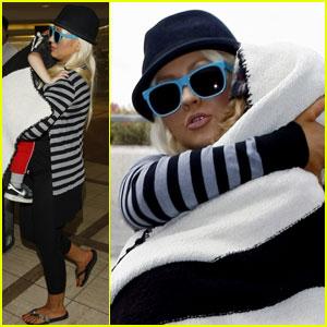 Christina Aguilera Leaves L.A. With Max & Matt