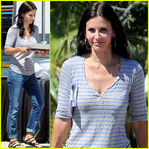 Courteney Cox: 'Cougar Town' Set with Busy Philipps!