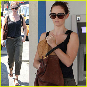 Emily Blunt Stashes Her Cash
