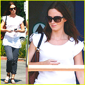 Emily Blunt: 'Your Sister's Sister' Plot Under Wraps!