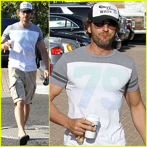 Gerard Butler: Starbucks Stop with Lolita!
