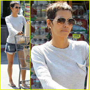 Halle Berry: Bristol Farms Grocery Gal
