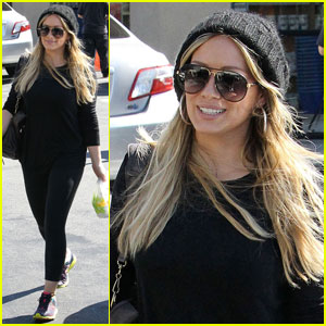 Hilary Duff Gets Her Froyo Fix