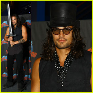 Jason Momoa: 'Conan' Goes to Planet Hollywood!