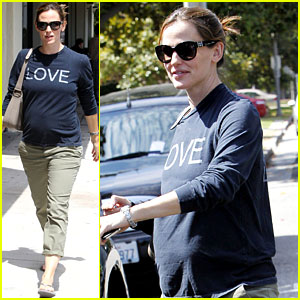 Jennifer Garner: Baby Bump Love