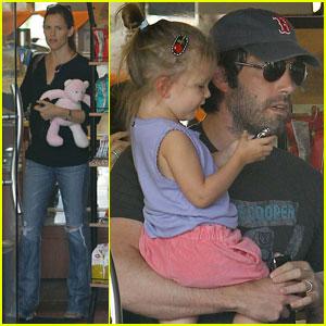 Jennifer Garner & Ben Affleck: Deli with Seraphina!