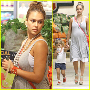 Jessica Alba & Honor: Whole Foods Fun