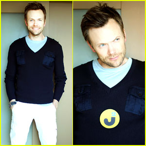 Joel McHale - JustJared.com Exclusive Interview