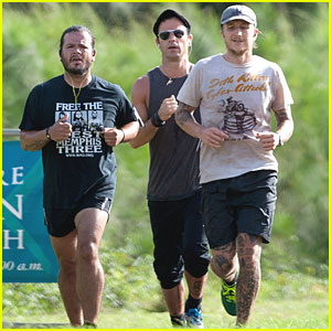 Photo of Justin Theroux & his friend   -