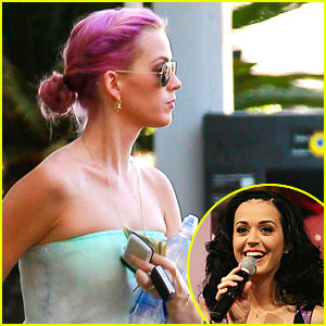 Katy Perry: Pink Hair!