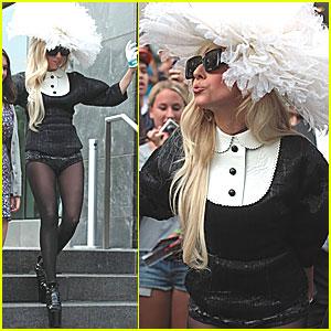Lady Gaga: Opening 2011 MTV VMAs!