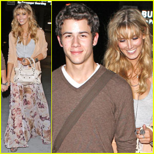 Nick Jonas: Adele Concert with Delta Goodrem!