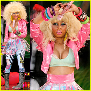 Nicki Minaj: Wardrobe Malfunction on 'Good Morning America'
