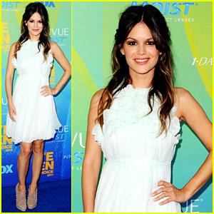 Rachel Bilson - Teen Choice Awards 2011 Red Carpet