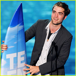 Robert Pattinson - Teen Choice Awards 2011 Winner!