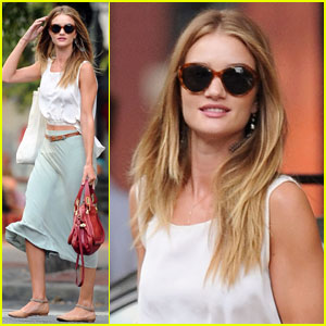 Rosie Huntington-Whiteley: Bar Pitti With A Pal