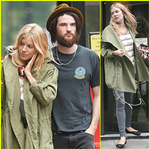 Sienna Miller & Tom Sturridge: Lunch Date!