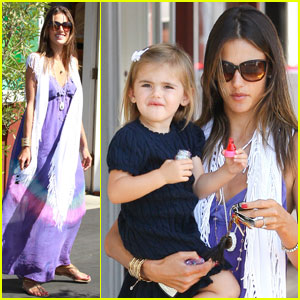 Alessandra Ambrosio: Country Mart Mommy