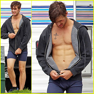 Alex Pettyfer: Shirtless for 'Magic Mike'!