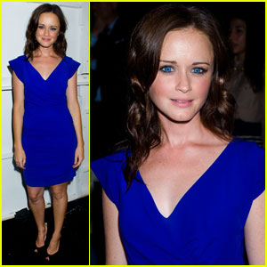 Alexis Bledel: Front Row at Nicole Miller!