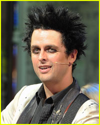 Green Day's Billie Joe Armstrong Kicked Off Plane