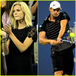 Brooklyn Decker Cheers on Andy Roddick at U.S. Open