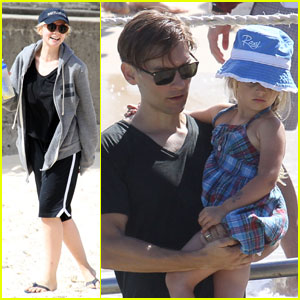 Carey Mulligan & Tobey Maguire: Bondi Beach Buddies