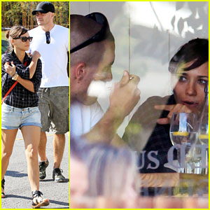 Jake Gyllenhaal & Rashida Jones: Cafe Gratitude Lunch!