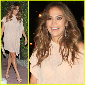 Jennifer Lopez: Night Out at Casa Tua!