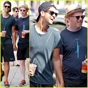 Jesse Tyler Ferguson & Justin Mikita: Venice Beach Lovebirds!