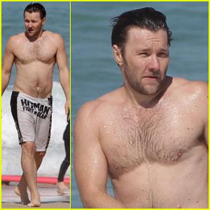 Joel Edgerton: Shirtless at Bondi Beach!