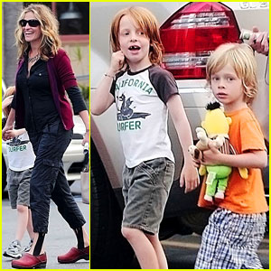 Julia Roberts Breakfast With The Kids Celebrity Babies