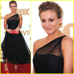 Kaley Cuoco - Emmys 2011 Red Carpet