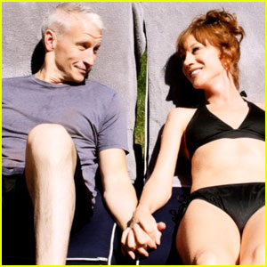 Anderson Cooper: Sunbathing with Kathy Griffin!