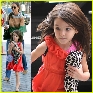 Katie Holmes &#038; Suri: Chelsea Piers Pair