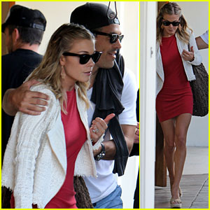 LeAnn Rimes: Little Red Dress!