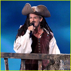 Michael Bolton: Jack Sparrow in Emmys Performance!