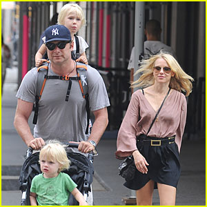Naomi Watts & Liev Schreiber: Out with the Boys!
