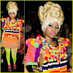 Nicki Minaj: Front Row at Carolina Herrera!