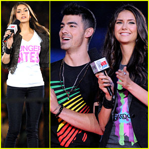 Nina Dobrev & Joe Jonas: WE Day Hosts!