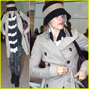 Rachel McAdams Touches Down in London