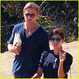 Ryan Gosling & Eva Mendes Go to Griffith Observatory