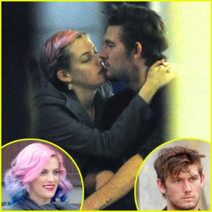 Alex Pettyfer: Kissing Riley Keough Off-Screen!